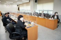 20201026 용인시의회 의원연구단체 뫼비우스, 전문가 초청 특강 열어(3).jpg