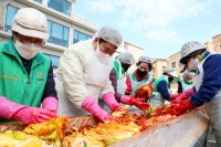 201117_용인시 곳곳에서 어려운 이웃 위한 김장행사 열려_사진(1).JPG